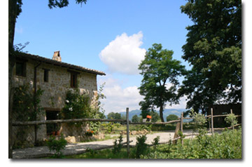 A biologic farmhouse in the beautiful area of the tuff villages